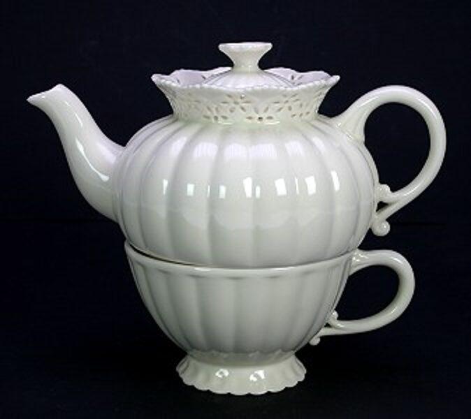 Creamware Tea for One Set (= 1 kleine Teekanne + 1 Tasse zum Stapeln) Porzellan mit Spitzenrand