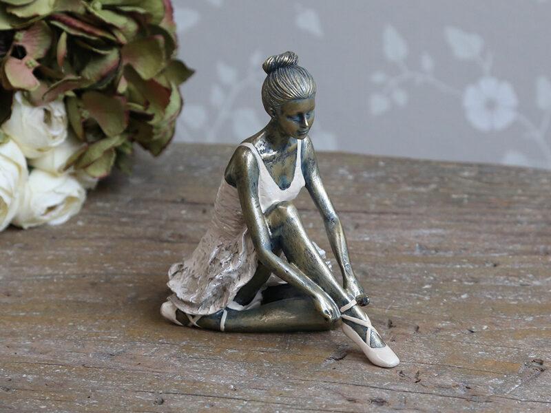 """Chic Antique Deko Ballerina """" sitzend """" Shabby Vintage Nostalgie Rosa H 14 cm"""