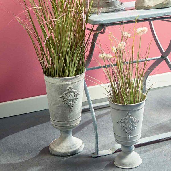 Vase Pokal Amphore auf Fuss  Frz. Creme Metall 2 Größen