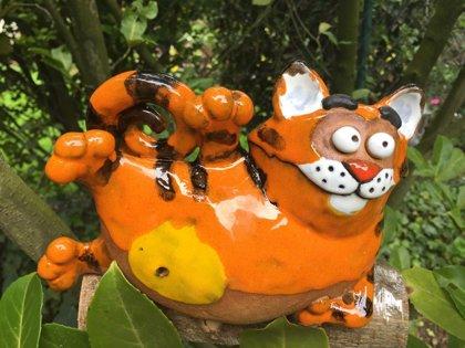 Gartenstecker Gartendeko frostfest Katze liegend Blumenstecker Beetstecker